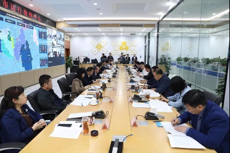历下区委书记江山等领导听取社会治理有关工作情况汇报